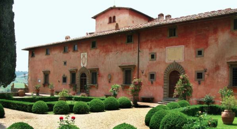 Charming Wedding Villa Near Florence