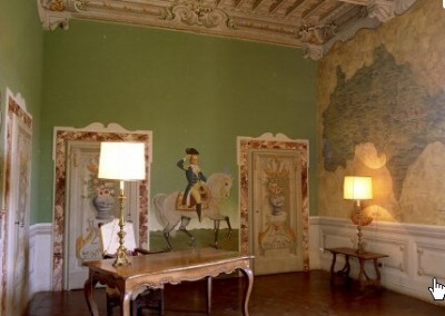Castello-di-Meleto-Interior-foyer