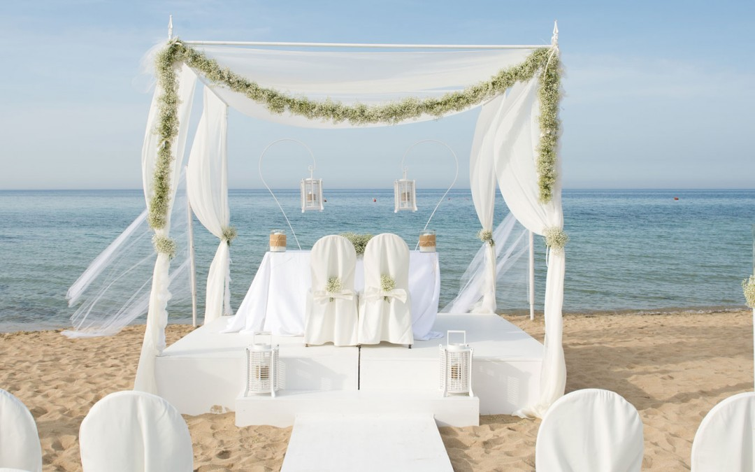 Exclusive Beach Wedding, Just Like The Movies!