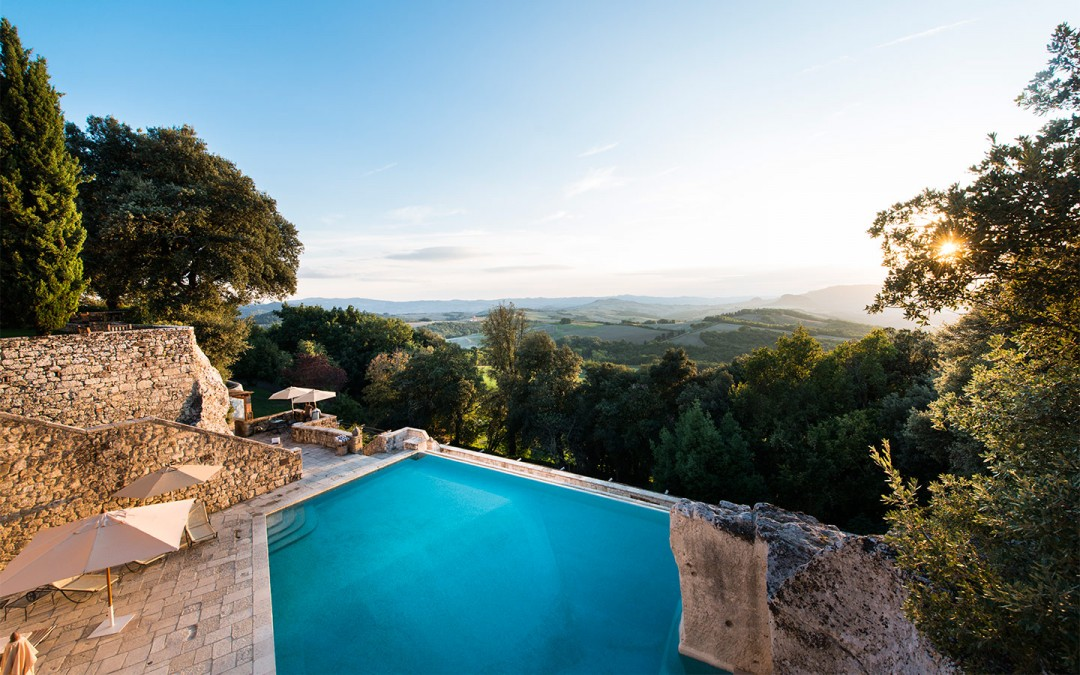 Exclusive Wedding Villa overlooking Tuscan Hills
