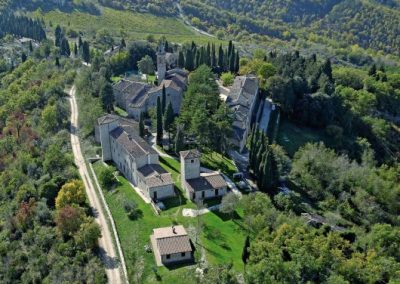 Wedding venue in Italy with church T34