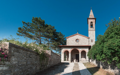 Catholic Wedding for 60-70 guests in Tuscany T34