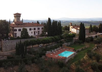 wedding venue Italy with church T35