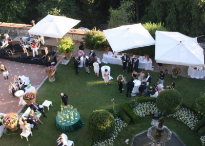 outdoor wedding reception at castle florence