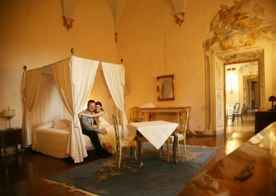 Castello-di-Meleto-Bedroom-1