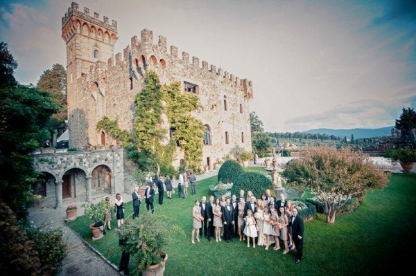 Wedding in a romantic and beautiful castle in Florence