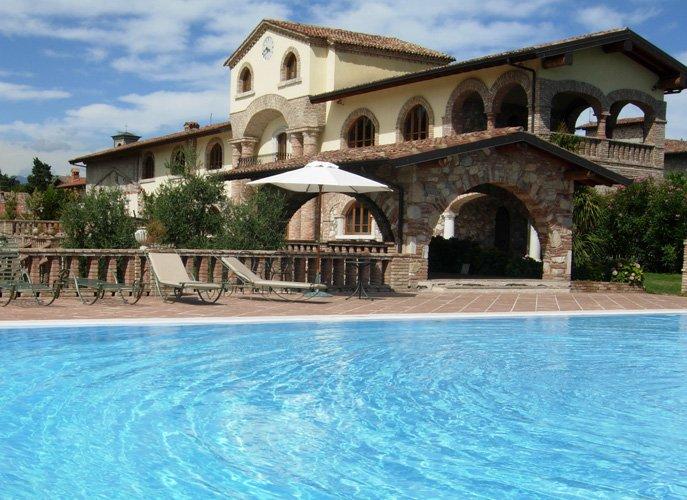 Villa Wedding at Padenghe sul Garda near Sirmione