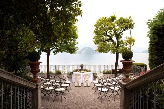Villa wedding with panoramic views of Lake Como