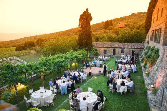 Wedding for 40 at Fattoria di Montelucci in Tuscany