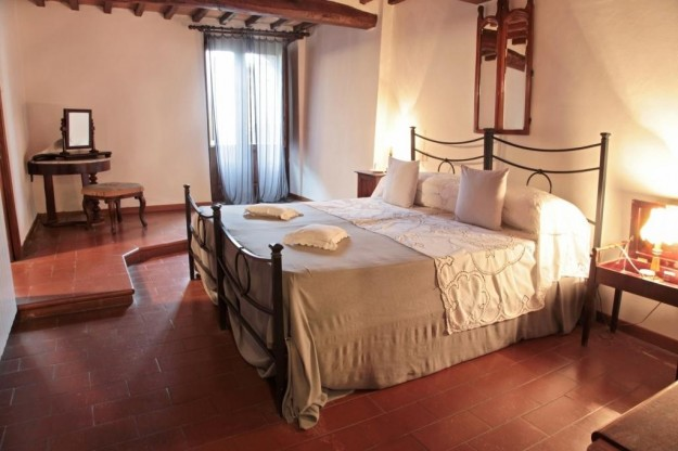 Rustic Chianti Villa 12