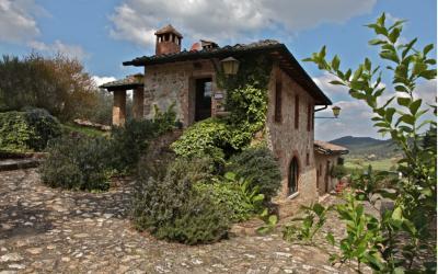 Civil Wedding Ceremony at Abbey Ruin and reception at Tuscan Villa