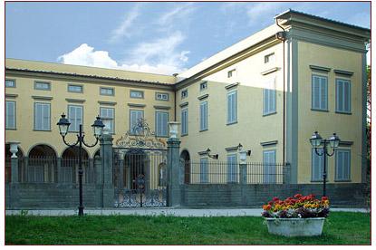 Classic Style Wedding Villa near Pisa