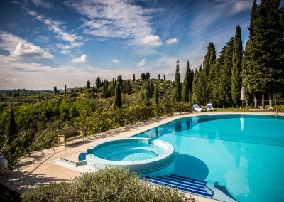 wedding-villa-in-tuscany-italy-rosietheweddingplanner-wedding-photographer-tuscany-t31-12