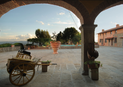 T36 wedding venue with pool and bar italy